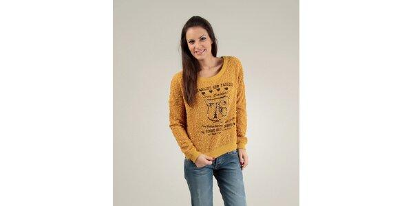 Dámský hořčicový svetr Free for Humanity s potiskem a korálky