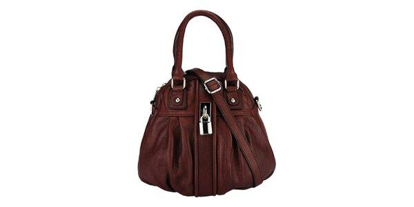 Dámská tmavě hnědá kožená kabelka se zámečkem Giulia