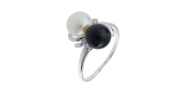 Dámský stříbrný prsten s bílou a černou perlou Orchira