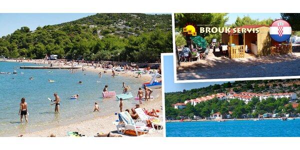Levný zájezd do Chorvatska na ostrov Murter. Ubytování ve stylových chatkách.