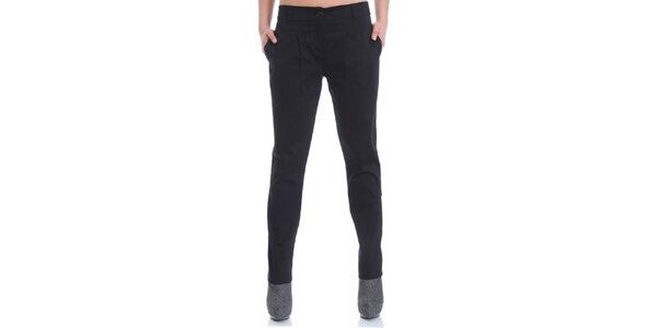 Dámské černé elegantní kalhoty Caramella Fashion