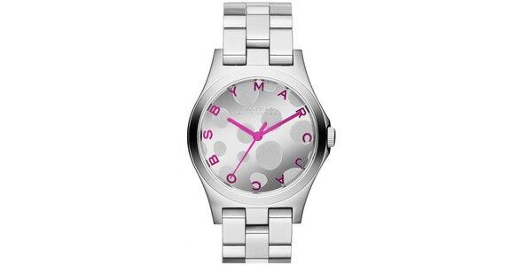 Dámské hodinky z nerezové oceli s růžovými prkvy Marc Jacobs