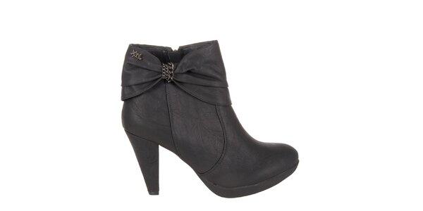 Dámské černé kotníkové boty Xti s mašlí