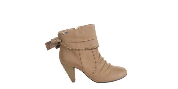 Dámské oříškově hnědé kotníkové boty Xti s ozdobným zipem