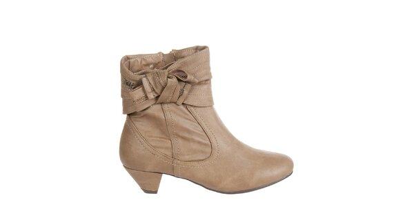 Dámské oříškově hnědé kotníkové boty Xti