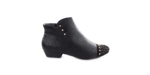 Dámské černé kotníčkové boty s cvočky na špičce Vizzano