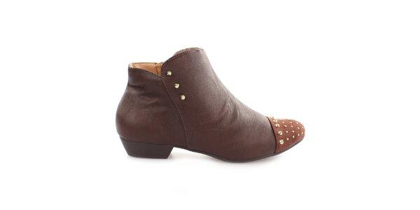Dámské hnědé kotníčkové boty s cvočky na špičce Vizzano