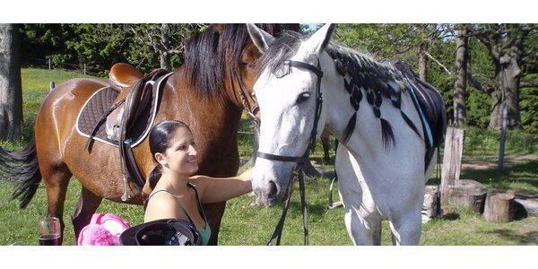 Půldenní vyjížďka na koni pro dva