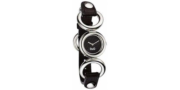 Dámské ocelové hodinky Dolce & Gabbana s černým koženým řemínkem