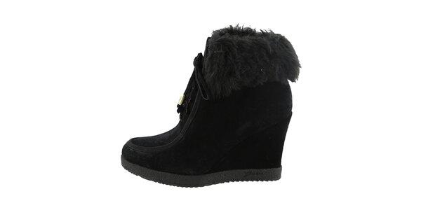 Dámské černé šněrovací boty na klínku Guess