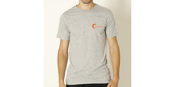 Pánské šedé tričko s oranžovým nápisem Chaser