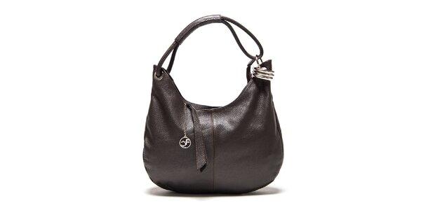 Dámská tmavě hnědá kožená kabelka s kovovou ozdobou Carla Ferreri