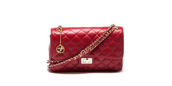 Dámská červená prošívaná kabelka s řetízkem Carla Ferreri