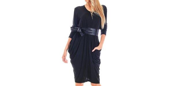 Dámské černé šaty s lesklým páskem Berry Couture