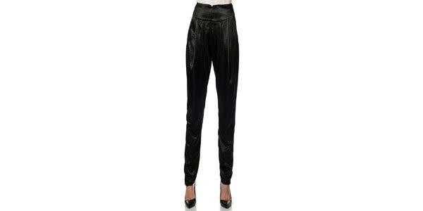 Dámské černé lesklé kalhoty Lora Gene