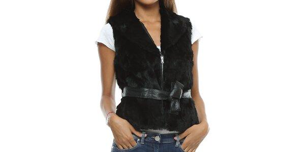 Dámská černá chlupatá vesta s páskem Mangotti