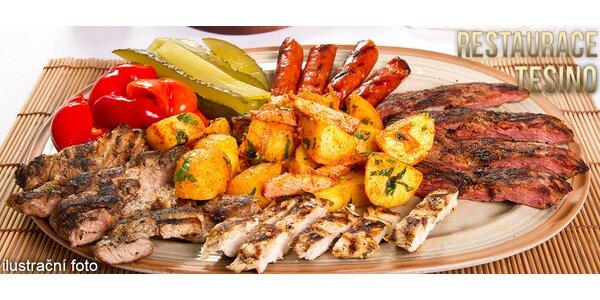 Kopec grilovaného masa a hranolků pro dva