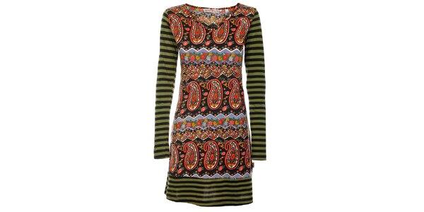 Jarní šaty od Savage Garden s dlouhým rukávem.