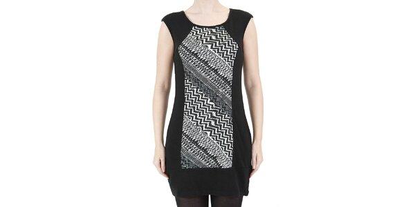 Dámské šaty s černo-bílým geometrickým vzorem Ginger and Soul