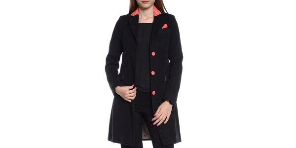 Dámský černý kabátek s korálovými detaily Vera Ravenna