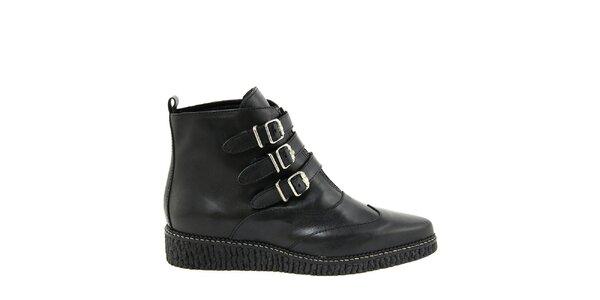 Dámské černé boty se zipem a přezkami Paola Ferri
