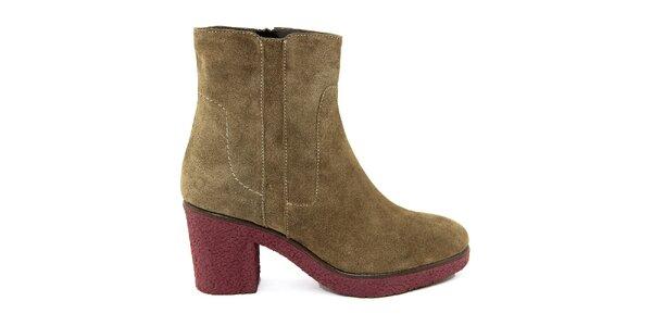 Dámské semišové boty s kontrastní podrážkou Paola Ferri