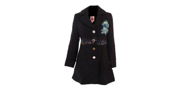 Dámský černý kabát s barevnými výšivkami DY Dislay Design