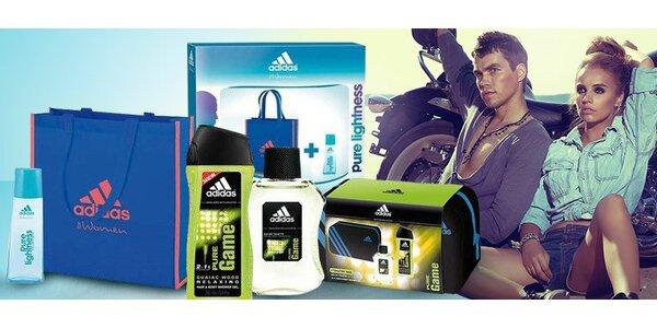 Balíčky Adidas pro oba – i s taškami na dovolenou