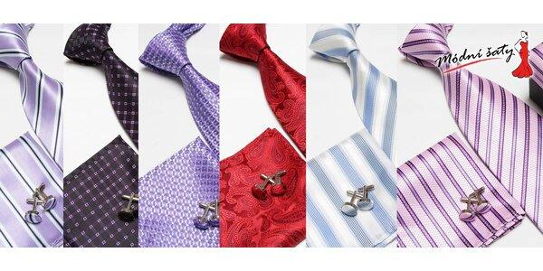 Souprava s kravatou, knoflíčky a kapesníčkem