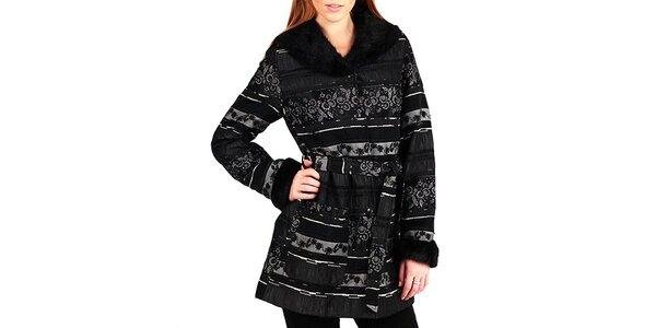 Dámský černý kabátek s květinovým vzorem a límcem Gémo