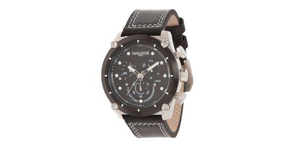 Pánské ocelové hodinky s černým ciferníkem a koženým prošívaným řemínkem…