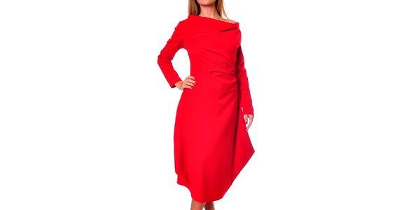 Dámské červené šaty s volnou sukní Avangard