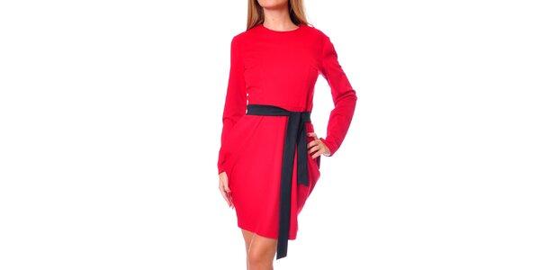 Dámské rudé šaty s tulipánovou sukní Avangard