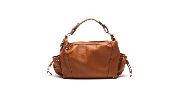 Dámská koňakově hnědá kožená kabelka s bočními kapsami Roberta Minelli