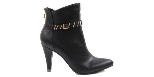 Dámské černé kotníkové boty s ozdobným páskem Drastik