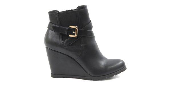 Dámské černé kotníkové boty na klínku Drastik