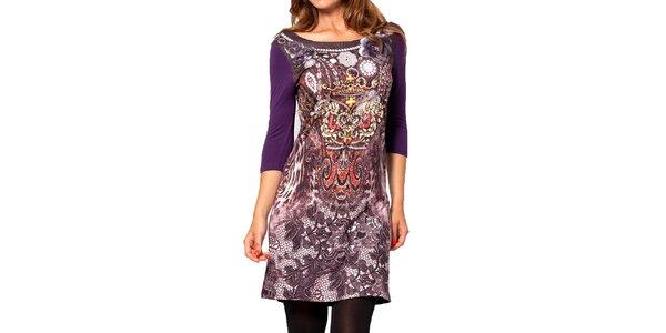 Dámské fialové šaty se vzorem na předním díle Kool
