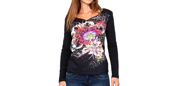 Dámské černé tričko s barevnými květy Kool