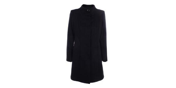 Dámský černý kabát se zapínáním na druky inAvati