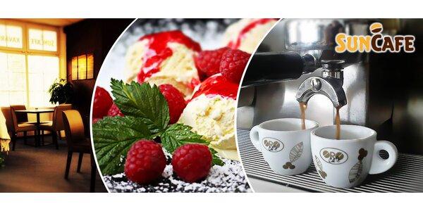 Horké maliny a nápoje pro dva v kavárně SUN CAFE (