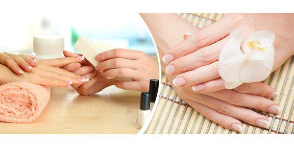 Japonská manikúra P-shine + masáž nebo parafínový zábal