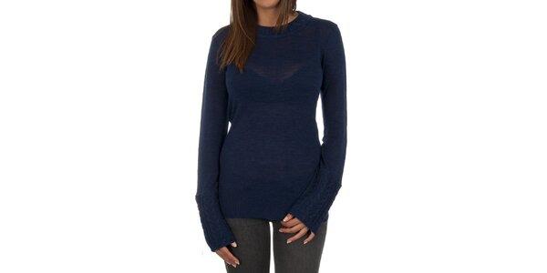 Dámský tmavě modrý svetr s ozdobnými rukávy Marlboro Classics