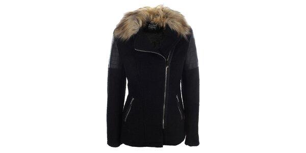 Dámský černý krátký kabátek s kožíškovým límcem Mila Store