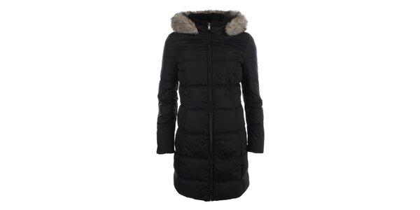 Dámský černý prošívaný kabát s kapucí a kožíškem Halifax