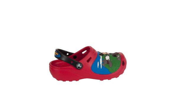 Chlapecké červenočerné pantofle Crocs