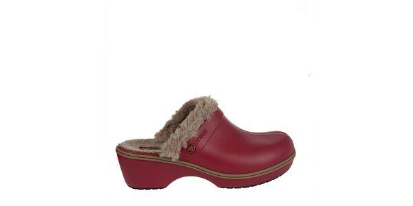 84f49a6824c Dámské červené dřeváky Crocs s kožíškem
