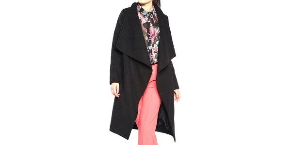 Dámský černý kabát se zapínáním na druk Vera Ravenna