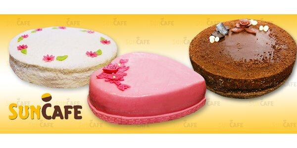 Domácí dorty s marcipánem, čokoládou či kokosem