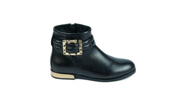 Dámské černé kotníkové boty s ozdobnou přezkou Moda Italiana