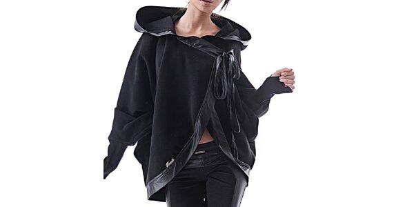 Dámské černé kašmírové pončo s kapucí Female Fashion
